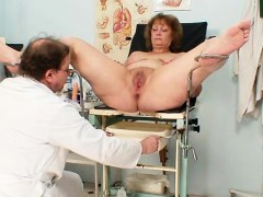 Hairy fat mom gets...